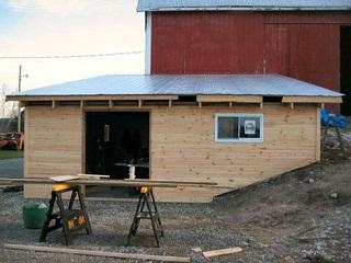 Процесс постройки плоской крыши